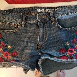 The Gap shorts size 6